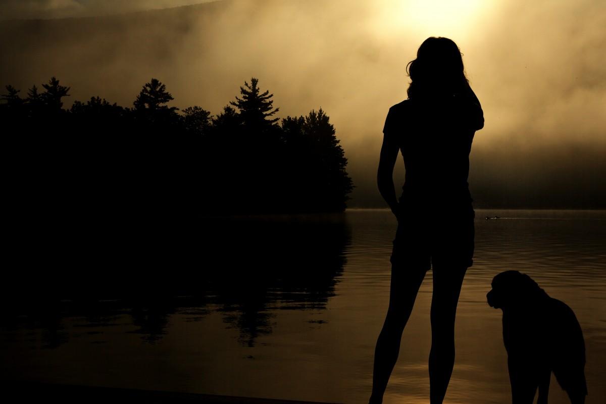 girl_wonder_outlook_looking_pensive_apprehensive_sexy_legs-869059.jpg!d